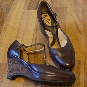 {Clarks} Artisan Collection Brown Leather Wedges
